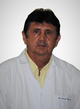 Dr. Álvaro Párraga Bravo