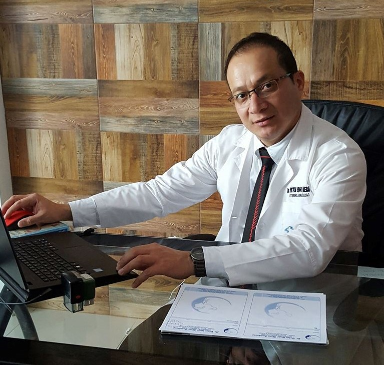 Dr. Víctor Hugo Mera Zambrano